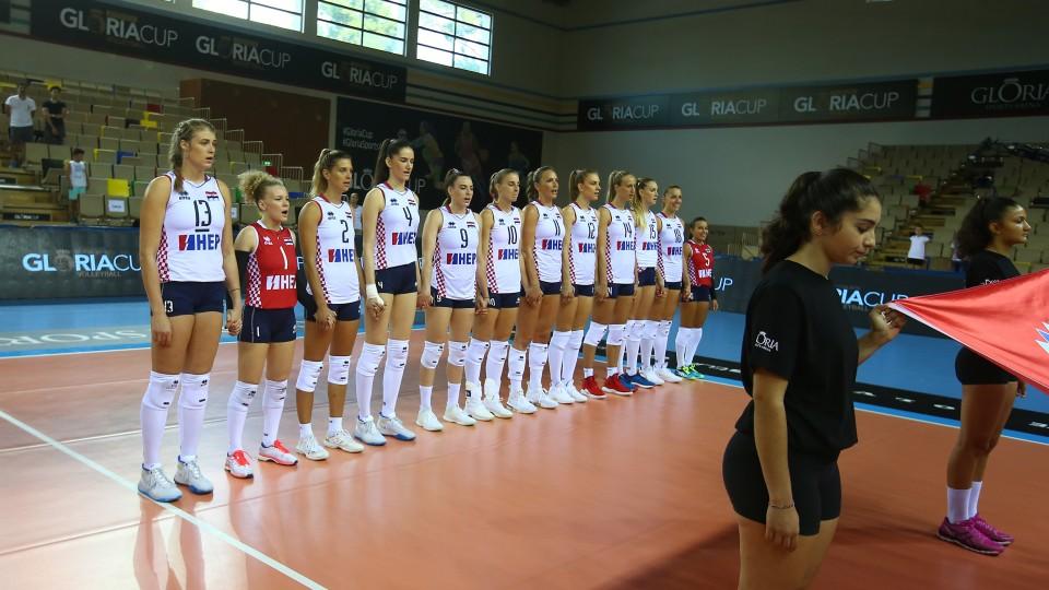 Sportska Hrvatska HRVATSKE ODBOJKAsICE STIGLE U BUDIMPEsTU